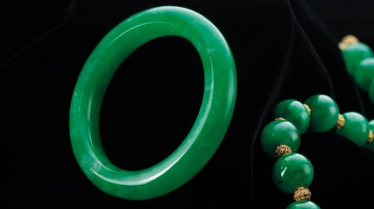 5 Rarest and Most Expensive Jade and Diamond Bracelets