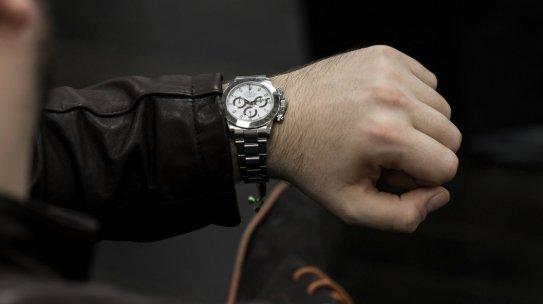 4 Men's Winter-Wear Watches