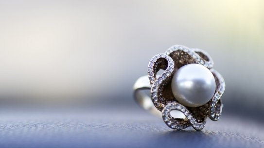 How to Care, Clean and Store Pearl Jewelry