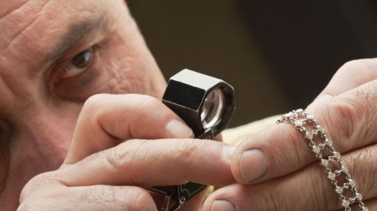 How to Maximize Jewelry Resale Value