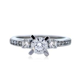 18K White Gold Diamond Engagement Ring Size 5.75