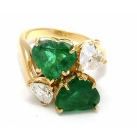 18K Yellow Gold Green Emeralds Diamonds Ring