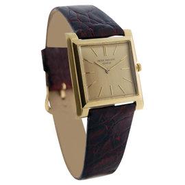 Patek Philippe Vintage Dress 2562 18K Yellow Gold 32mm Watch