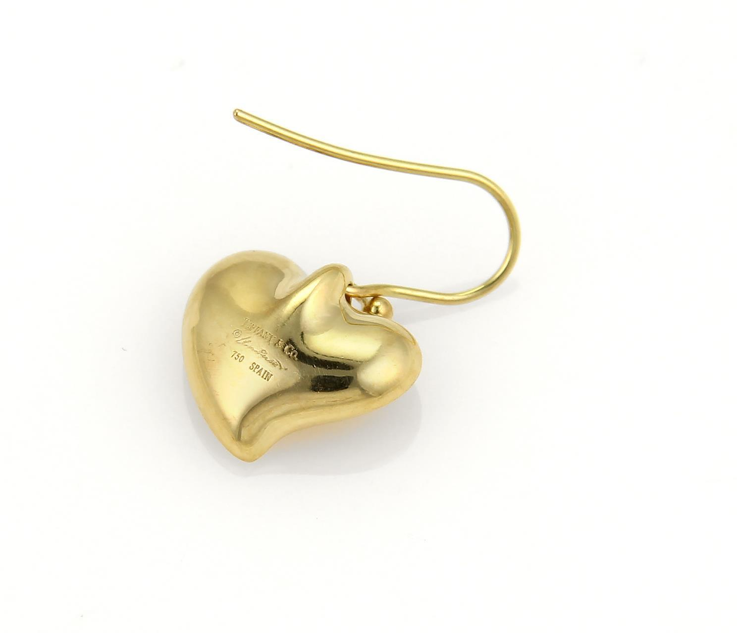 "Image of ""Tiffany & Co. 18K Yellow Gold Peretti Curved Hearts Hook Dangle"""