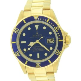 Rolex Submariner Date 16618 Swiss Made 18K Yellow Gold Blue 40mm Dive Mens Watch