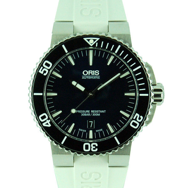 """Image of """"Oris Aquis Stainless Steel & Rubber Automatic 43mm Mens Watch"""""""
