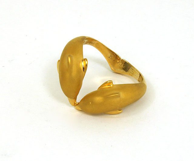 """Image of """"Carrera Y Carrera 18K Yellow Gold 3D Double Dolphin Band Ring"""""""