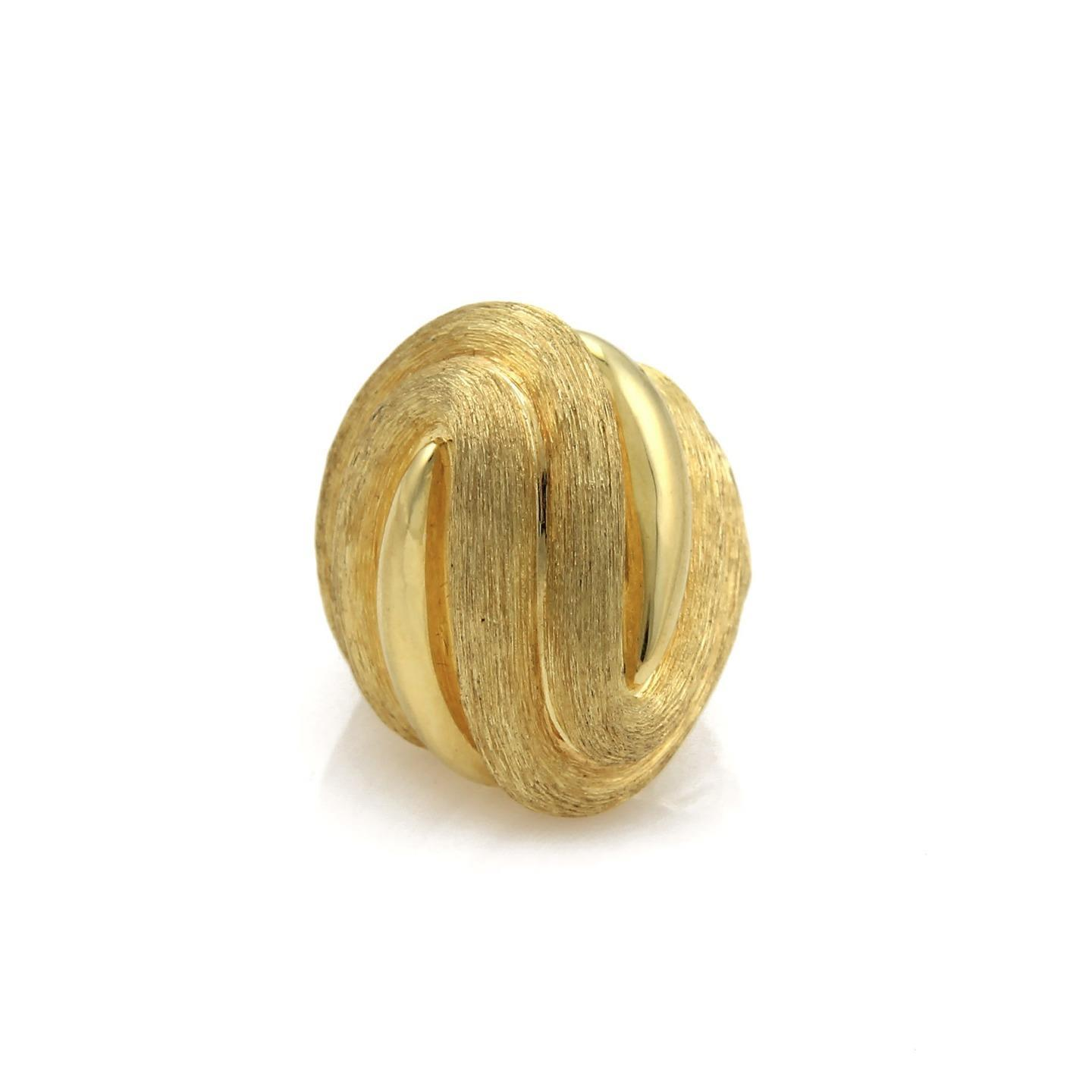 "Image of ""Henry Dunay 18K Yellow Gold Dome Ribbed Design Textured Ring Size 6.5"""