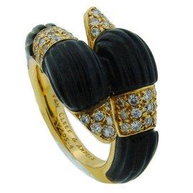 Van Cleef & Arpels 18K Yellow Gold Black Onyx Diamond Ring Size 6