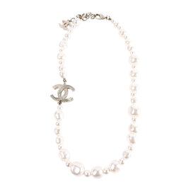 Chanel CC Logo Gold Tone Metal Faux Baroque Pearl White Necklace