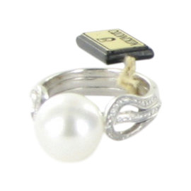 Mikimoto 18K White Gold with Akoya Pearl and 0.39ct Diamonds Ring Size 6.5