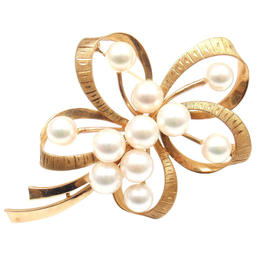 Mikimoto 14K Yellow Gold Pearl Flower Brooch Pin