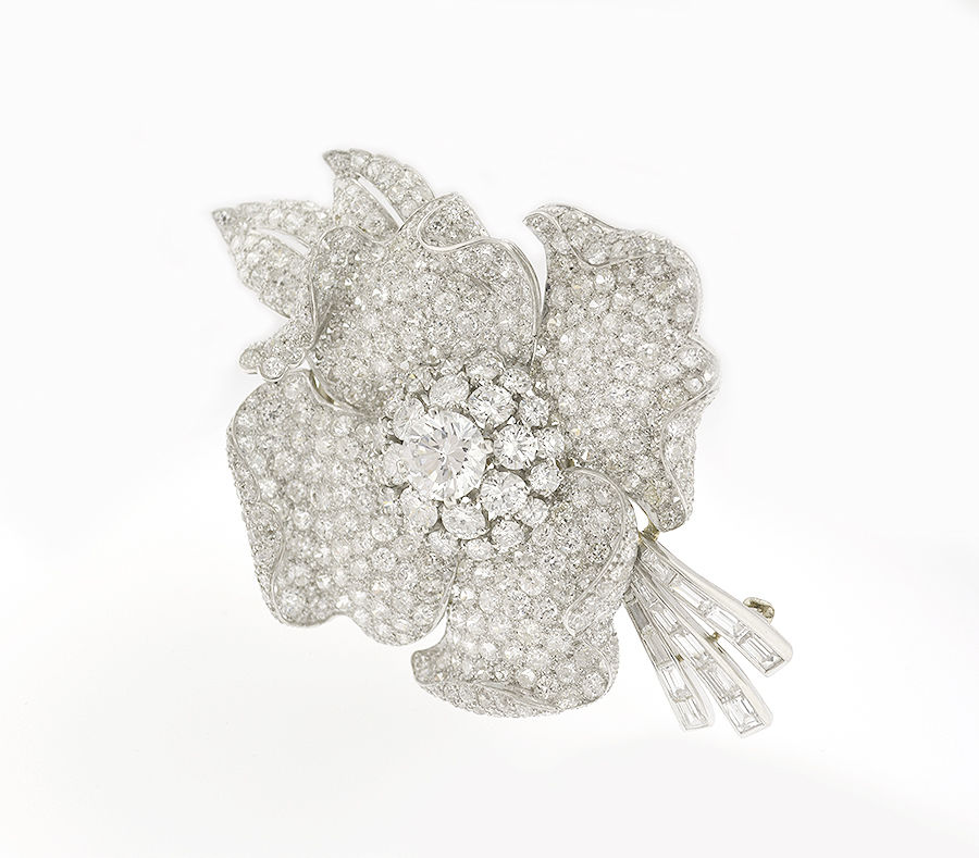 "Image of ""Van Cleef & Arpels Platinum And Diamond Flower Brooch"""