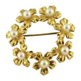 Mikimoto 18K Yellow Gold with Pearl Brooch
