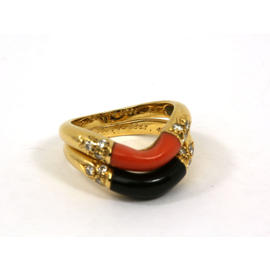 Vintage Cartier 18k Yellow Gold Onyx Coral & Diamonds Two Band Ring Set