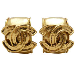 Chanel Vintage CC Logo Clip On Earrings Gold Tone