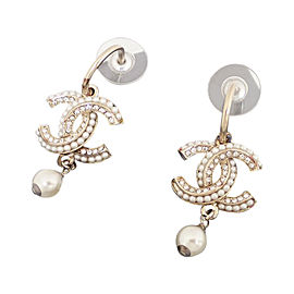 Chanel Metal And Pearl Earring