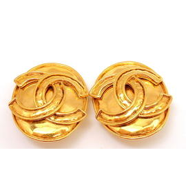 Vintage Chanel French Couture Gold Tone Double C Clip On Earrings