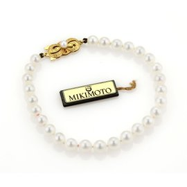 Mikimoto Akoya 18K Gold Single Strand Pearls Bracelet