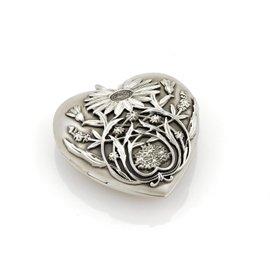 Tiffany & Co. Ziegfeld Daisy Sterling Silver Heart Photo Locket Pendant