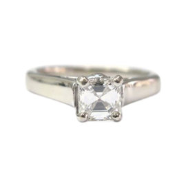 A Jaffe 18K White Gold & 0.93ct Diamond Engagement Ring