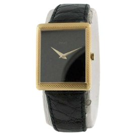 Piaget Classique Mid-Size Black Onyx Dial & 18K Yellow Gold Unisex Watch