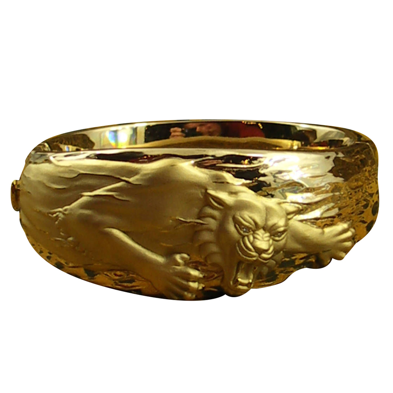 "Image of ""Carrera y Carrera 18K Yellow Gold Big Cat Cuff"""