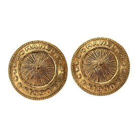 Chanel CC Gold Tone Metal Round Earrings