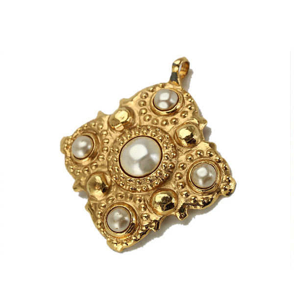 "Image of ""Chanel Gold Tone Metal Fake Pearl Pendant Top"""