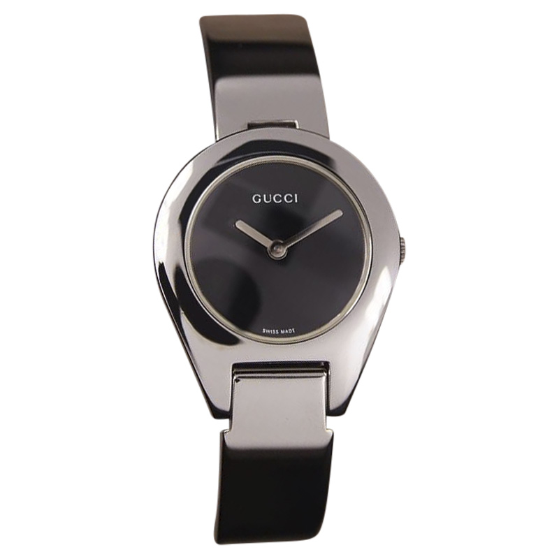 "Image of ""Gucci 6700L Stainless Steel Quartz 26mm Womens Watch"""