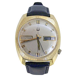Bulova Accutron Yellow Gold Electroplated Quartz Vintage 33.5mm Mens Watch Year 1976