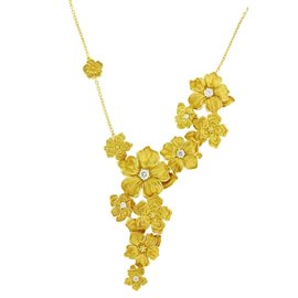Carrera y Carrera 18K Yellow Gold with 0.35ct Diamond Emperatriz Maxi Flower Necklace