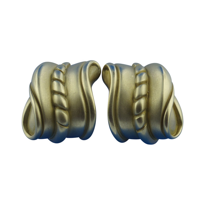 "Image of ""Kieselstein Cord 18K Yellow Gold Clip On Earrings"""