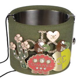 Chanel Silver Tone Hardware Green Canvas CC Cactus Shell I Love Coco Charm Cuff Bracelet
