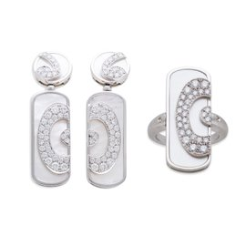 Bvlgari Diamond and Mother of Pearl 18K White Gold Ring and Earring Set