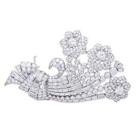 JE Caldwell Platinum Diamond Brooch
