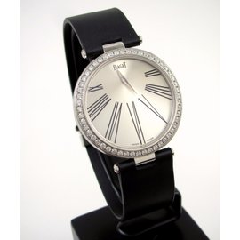Piaget Limelight 18K White Gold 35mm Womens Watch