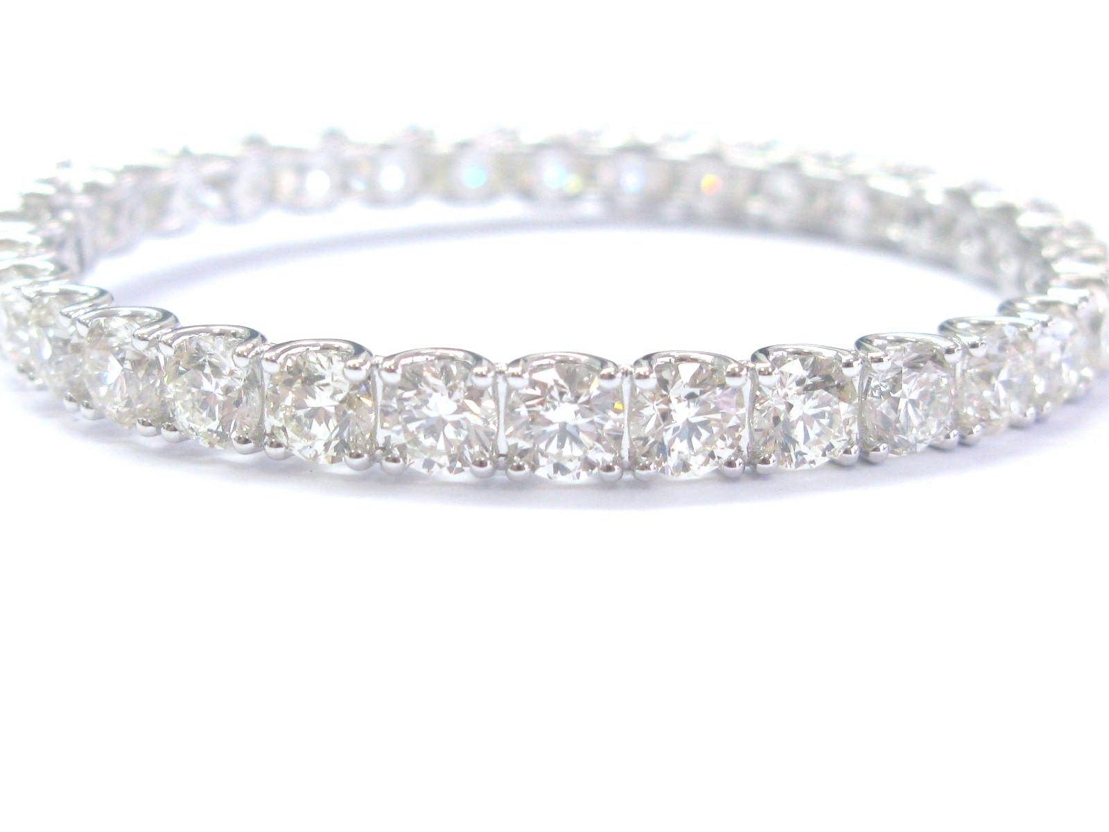 "Image of ""18K White Gold 22.93Ct Round Cut Diamond Tennis Bracelet"""