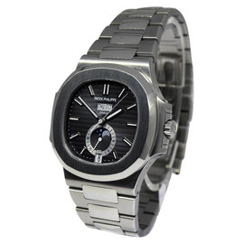 Patek Philippe Nautilus 5726/1A Steel Annual Calendar Mens Watch