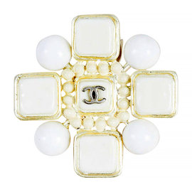 Chanel 04C Gold Tone, White Enamel & Resin Cube Dotted 'CC' Maltese Brooch Pin