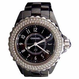 Chanel J12 Ceramic Black Dial Quartz 33mm Womens Watch