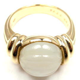 Boucheron 18K Yellow Gold Mother Of Pearl Ring