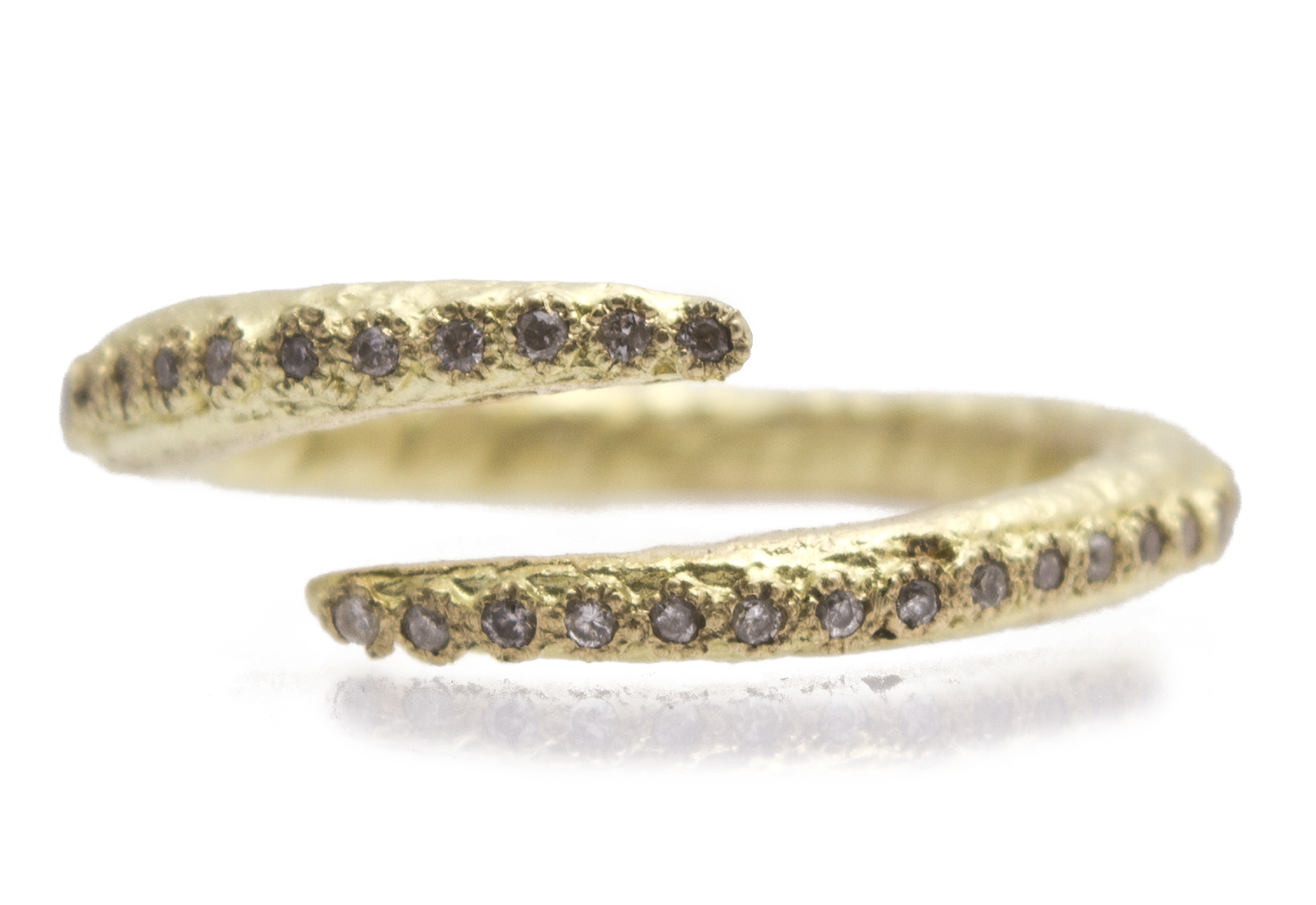 "Image of ""18k Yellow Gold Criss-cross Ring With White Diamonds"""