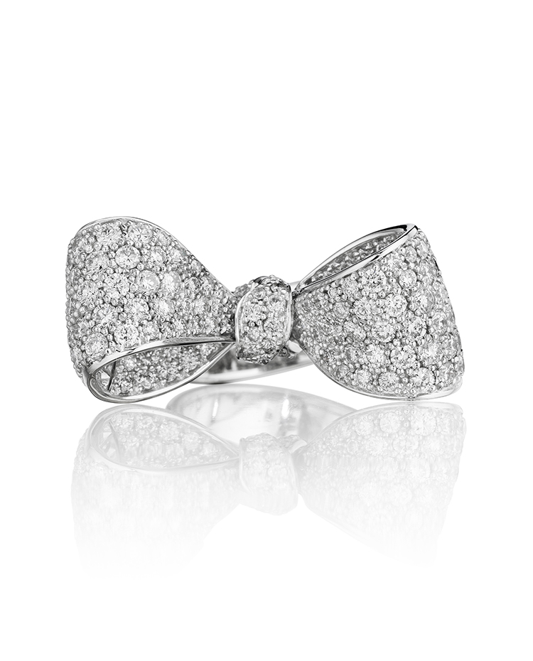 "Image of ""18K Gold Medium Diamond Ring"""