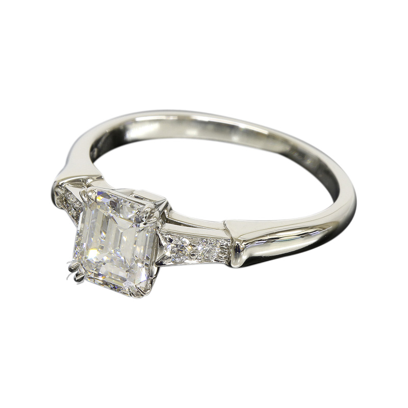 "Image of ""Harry Winston 950 Platinum & 0.80ct Diamond Ring Size 4.5"""