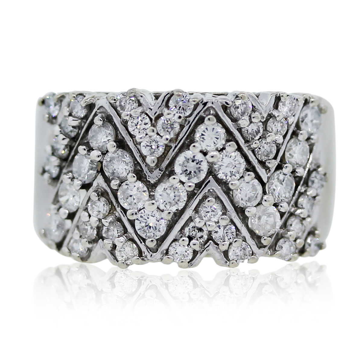 "Image of ""14K White Gold Diamond 'V' Wide Band Ring Size 6.75"""