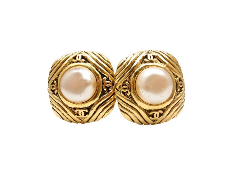 Vintage Chanel French Couture Gold Tone Costume Pearl Clip On Earrings