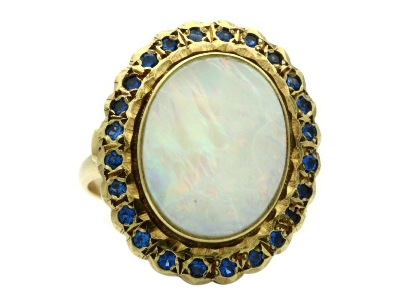 Vintage 14K Yellow Gold Oval Cabochon Opal Ring