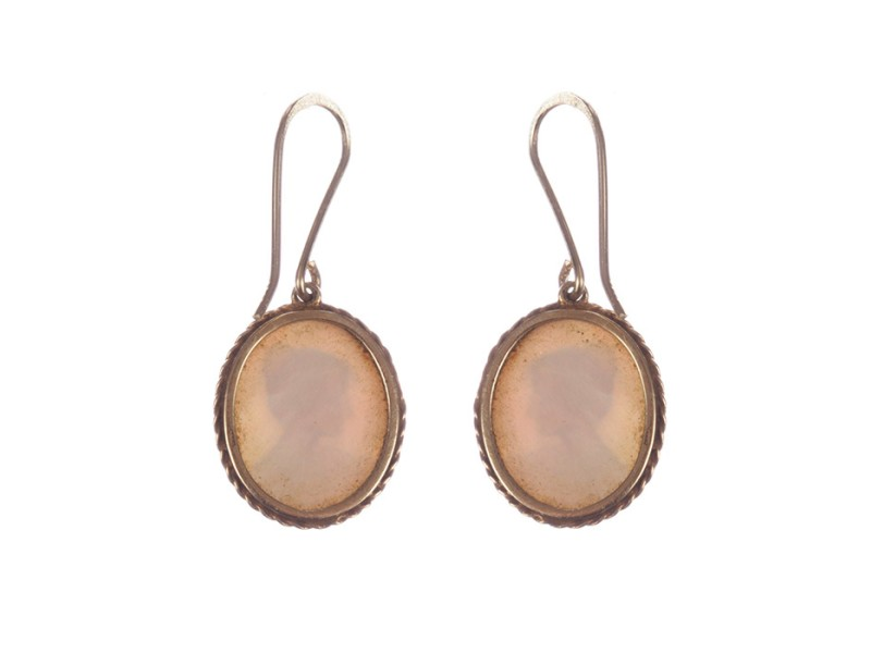 Alberto Juan 14 kt Gold and Mother of Pearl Shell Cameo Earrings