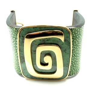 Bvlgari 18K Y/G Green Garnet Stingray Bracelet